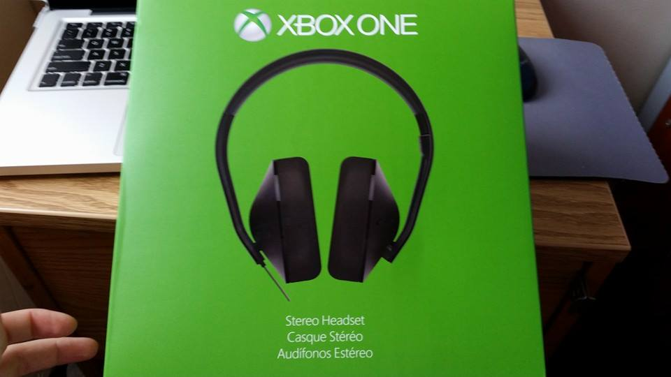xbox one stereo headset avideogamelife. Black Bedroom Furniture Sets. Home Design Ideas